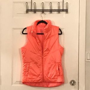 Gap fit size small puffer vest